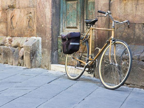 Szerelkezzen fel praktikus és esztétikus kerékpár táskával!