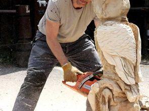 Fa szobrászat és homok szobrászat: ízelítő az alkotás folyamatából
