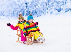 A tél egyik legjobb időtöltése a szánkózás!